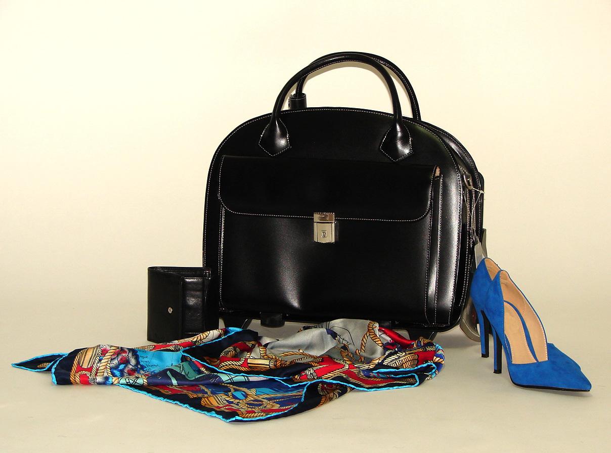 Glen Ellyn czarna torba damska na kółkach