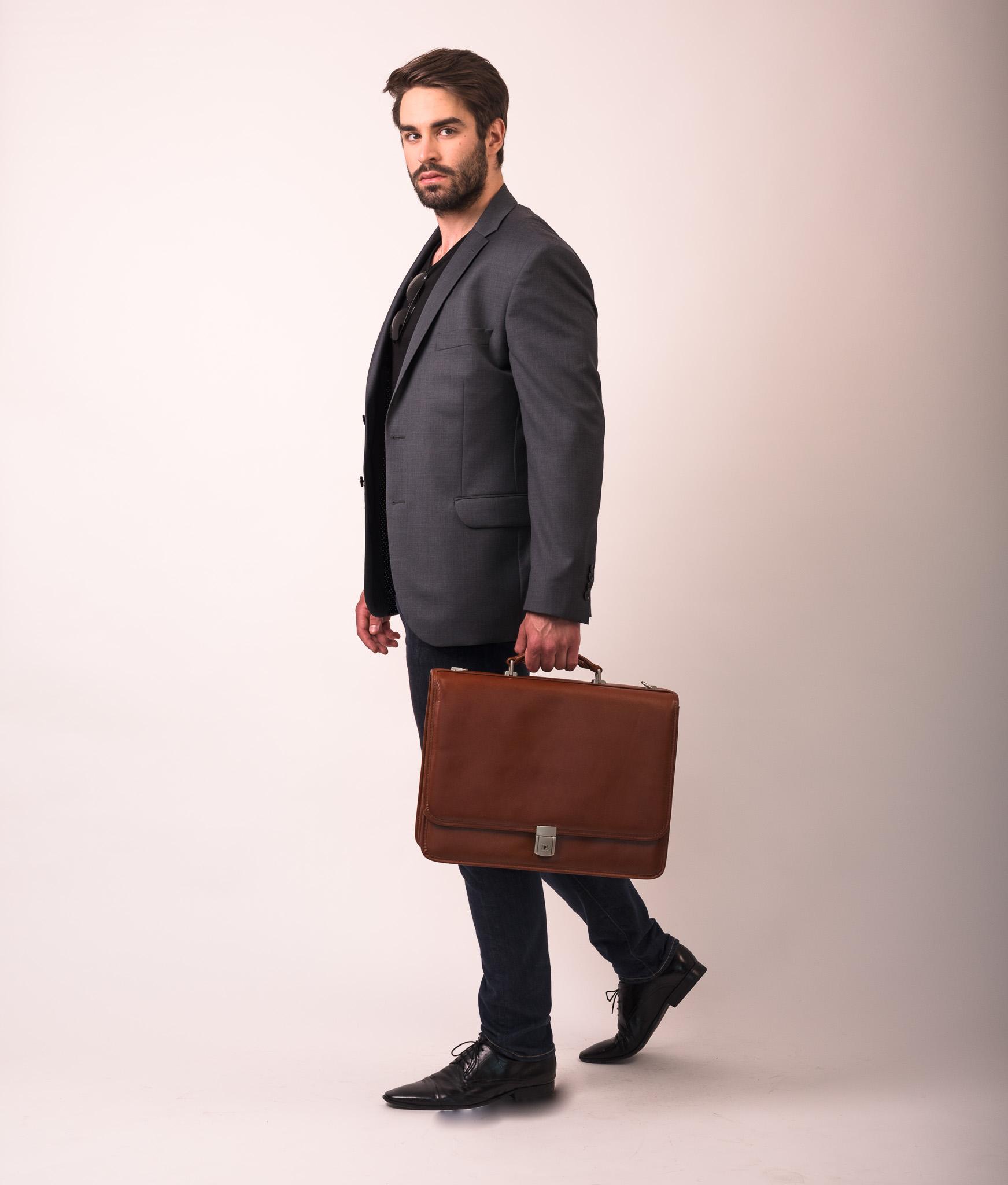 Luksusowa brązowa teczka dla prawnika